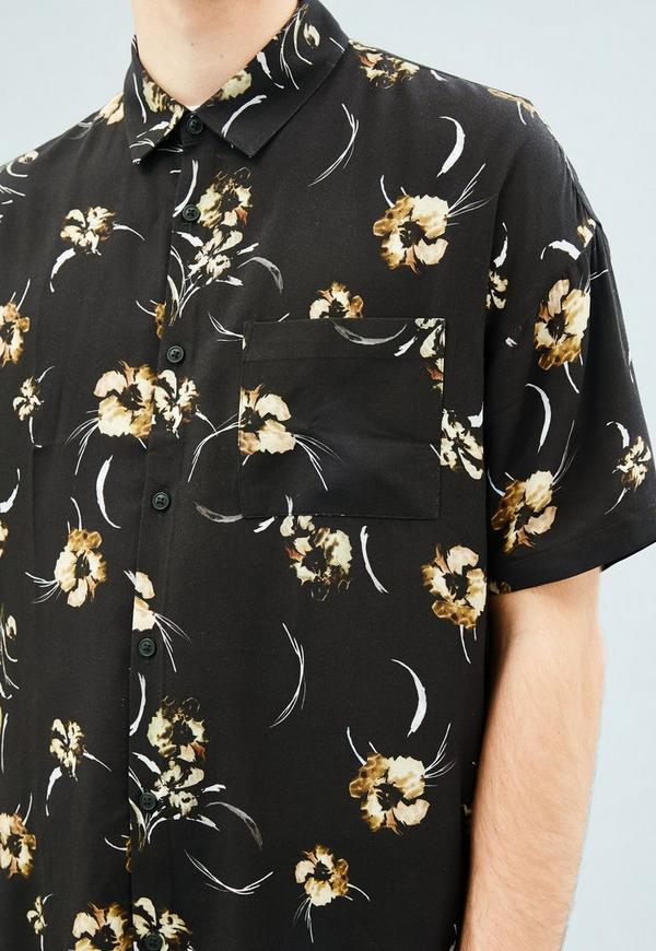 Black floral print relaxed short sleeved shirt mennace for Black floral print shirt
