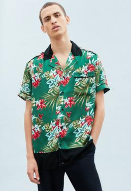 Green Short Sleeve Floral Block Hem Shirt